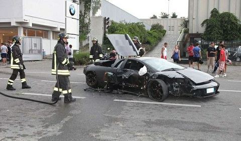 Lamborghini Murcielago Crashes Into Italian BMW Motorcycle Showroom