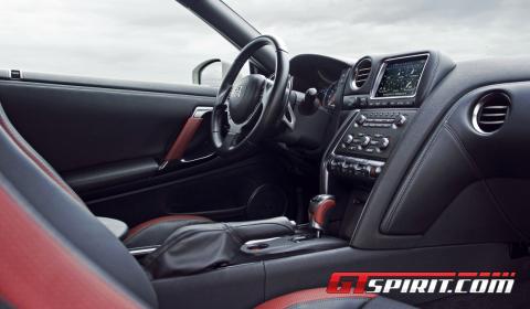 Road Test 2013 Nissan GT-R Black Edition 02