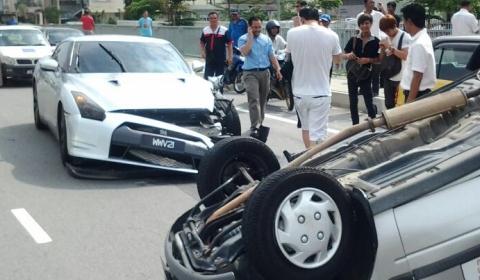 Car Crash Nissan Gt R Collides With Malaysian Build Perodua Kancil