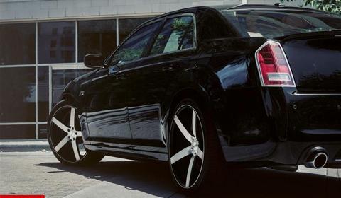2012 chrysler 300c on 22 inch cv3 vossen wheels gtspirit. Black Bedroom Furniture Sets. Home Design Ideas