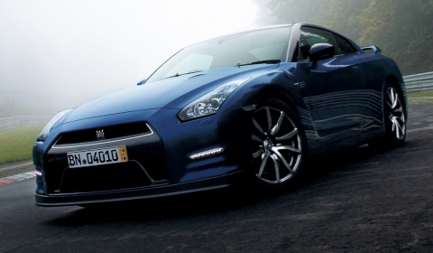 Official 2013 2014 Nissan GT-R 01
