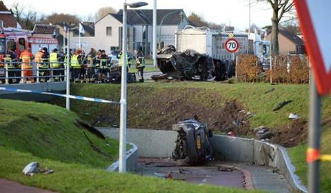Porsche and Mercedes Wreck in Fatal Car Crash in Belgium 02