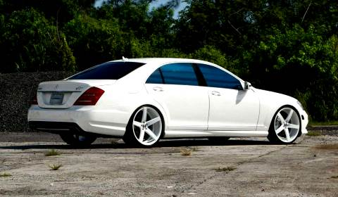 Mercedes benz s class on 22 inch vossen cv3 wheels gtspirit for Mercedes benz s550 rims for sale