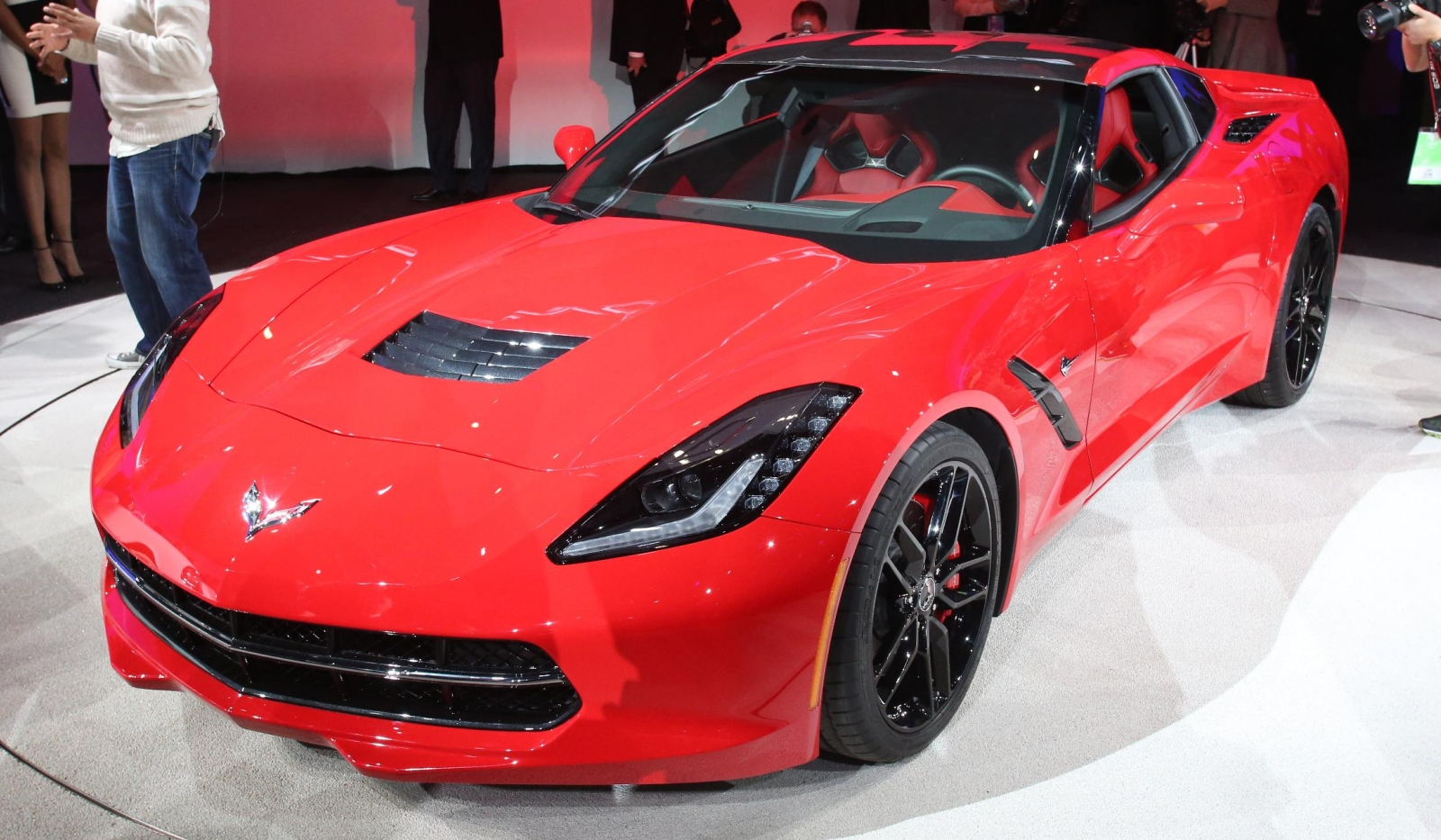 detroit 2013 chevrolet corvette stingray gtspirit. Black Bedroom Furniture Sets. Home Design Ideas