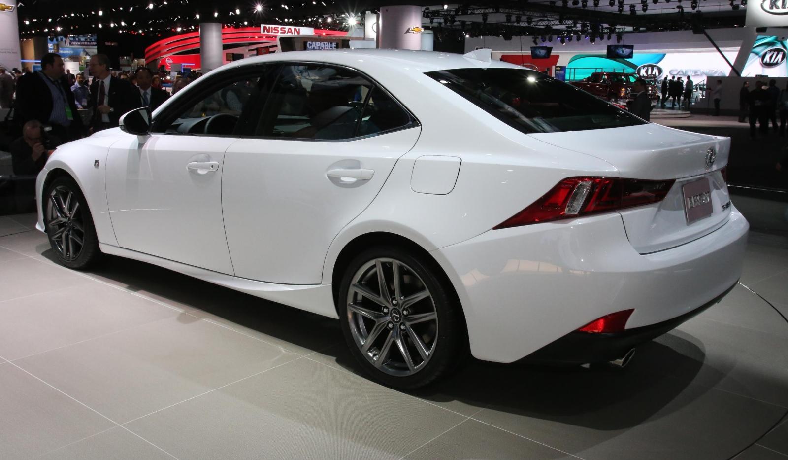 Detroit 2013 Lexus IS F Sport 01