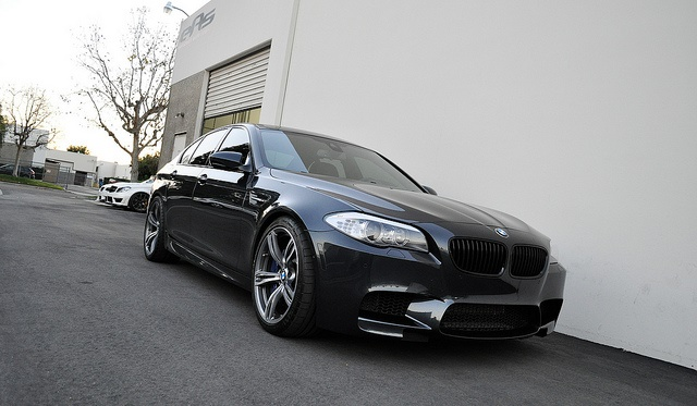 Singapore Gray BMW F10 M5 Roars in An Akrapovic Exhaust