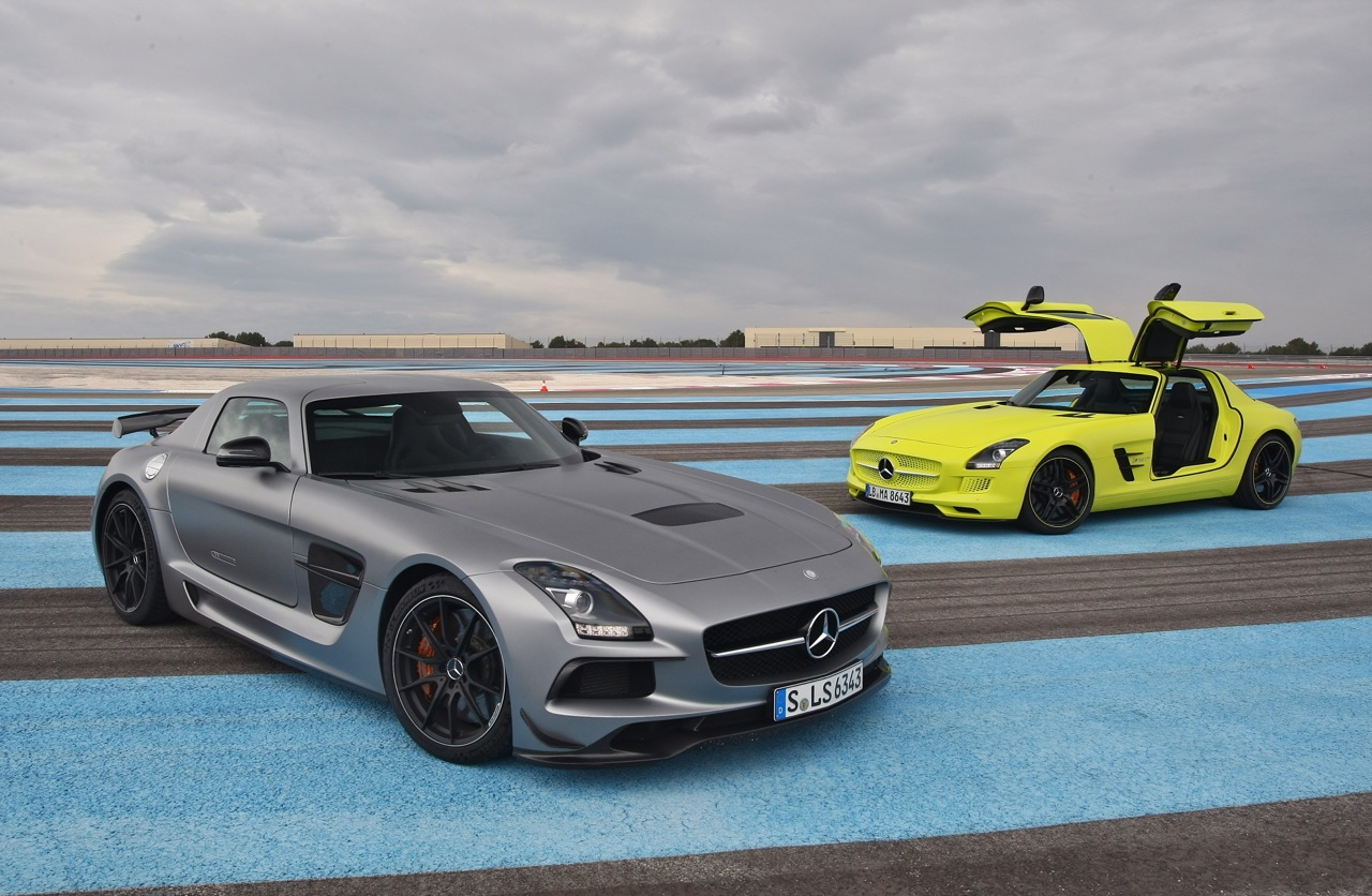 Mercedes benz sls e cell and sls amg black series at paul for New e series mercedes benz
