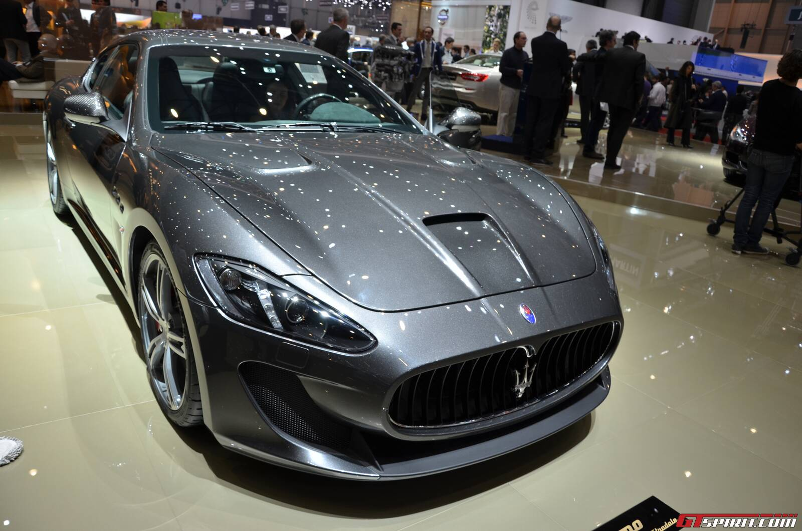 geneva 2013 four seat maserati granturismo mc stradale gtspirit. Black Bedroom Furniture Sets. Home Design Ideas
