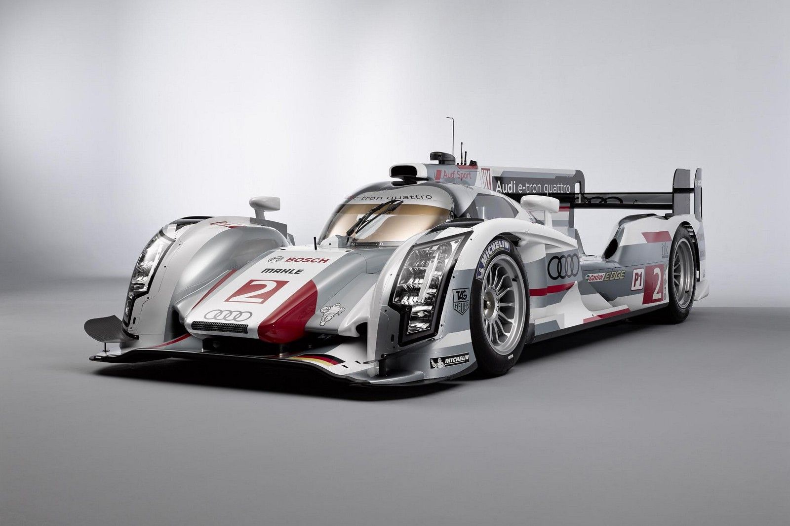 audi to debut r18 e tron quattro at 12 hours of sebring gtspirit. Black Bedroom Furniture Sets. Home Design Ideas