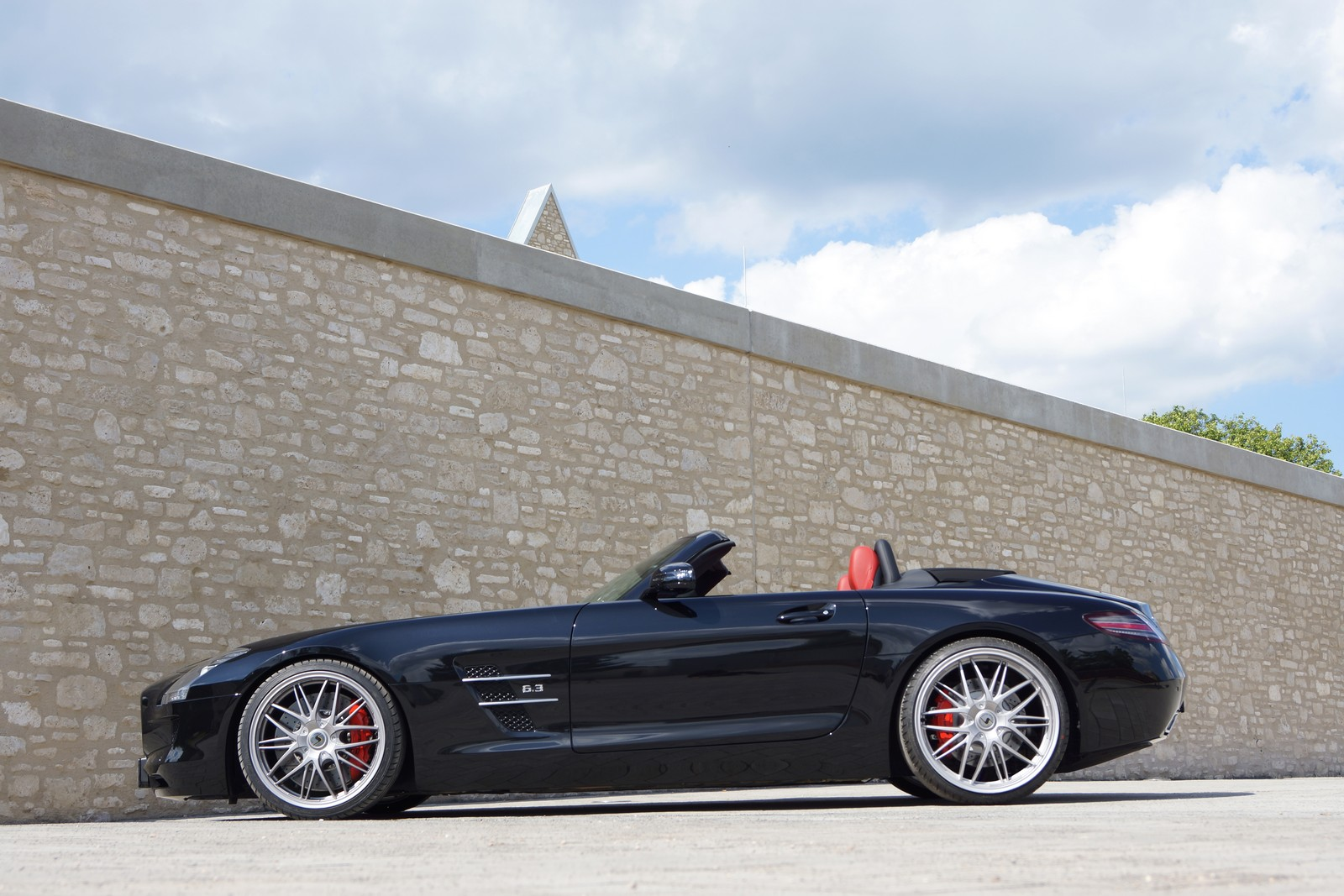 official mercedes benz sls63 amg roadster by senner tuning gtspirit. Black Bedroom Furniture Sets. Home Design Ideas