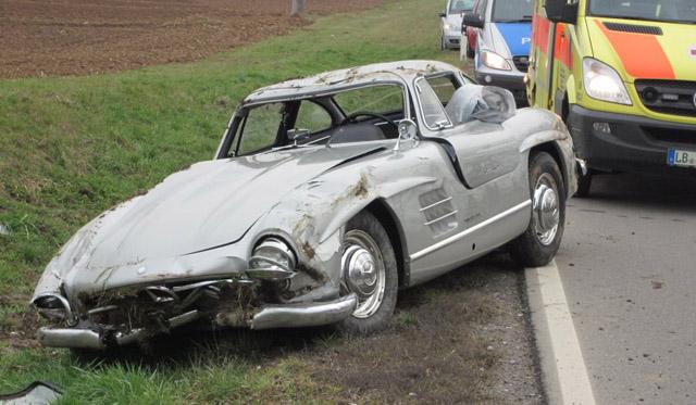 Car Crash: Mercedes 300 SL Gullwing Wrecked in Germany ...