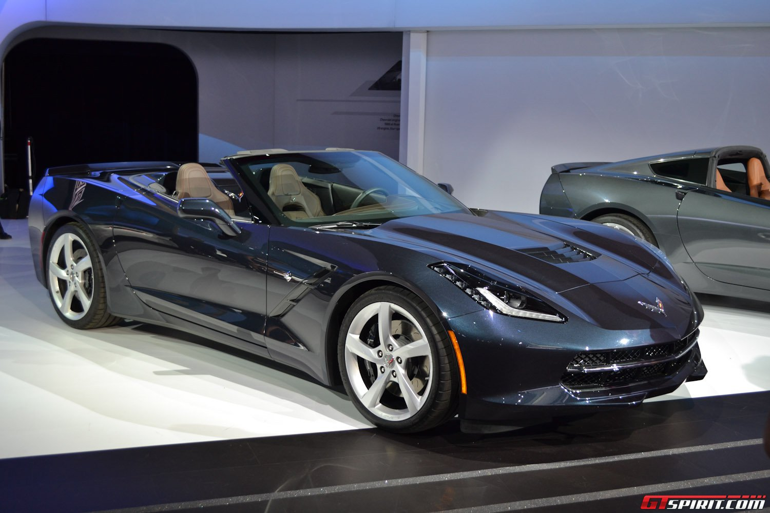 new york 2013 corvette stingray convertible gtspirit. Black Bedroom Furniture Sets. Home Design Ideas