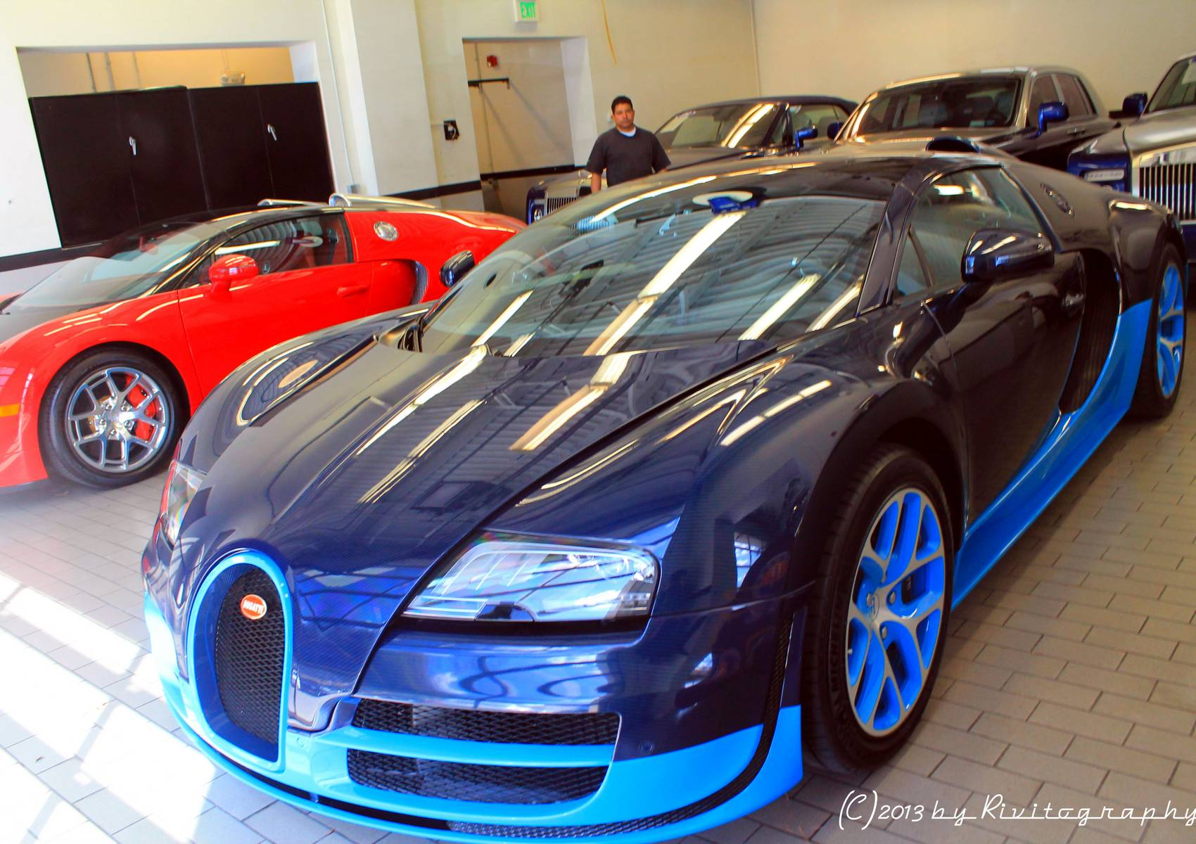 bugatti veyron vitesse and bugatti veyron grand sport spotted in connecticut gtspirit. Black Bedroom Furniture Sets. Home Design Ideas