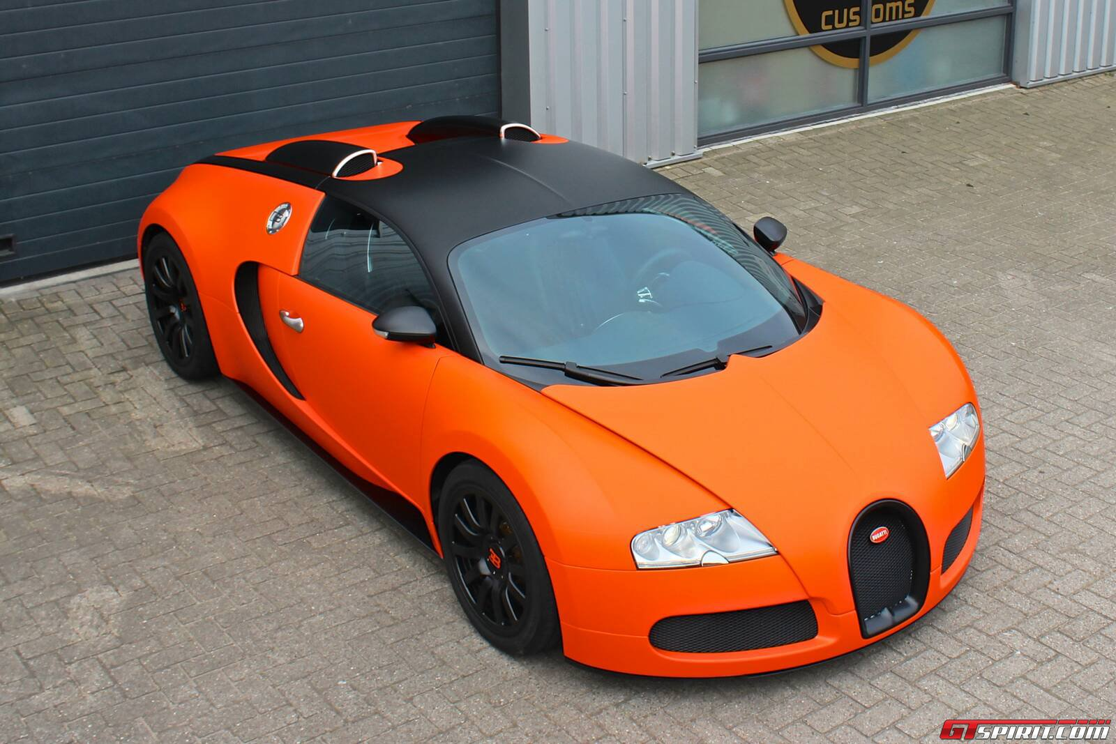 gallery matte orange bugatti veyron wrap by jd customs. Black Bedroom Furniture Sets. Home Design Ideas