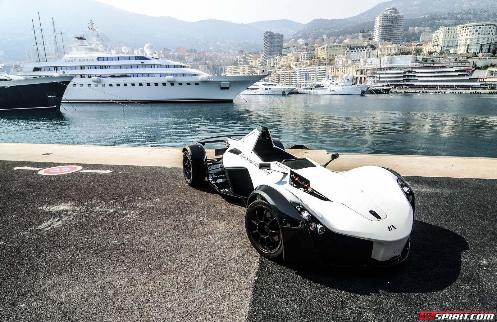 first impression a day with the bac mono in monaco gtspirit. Black Bedroom Furniture Sets. Home Design Ideas