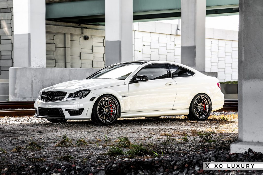 Mercedes-Benz C63 AMG with XO Luxury wheels