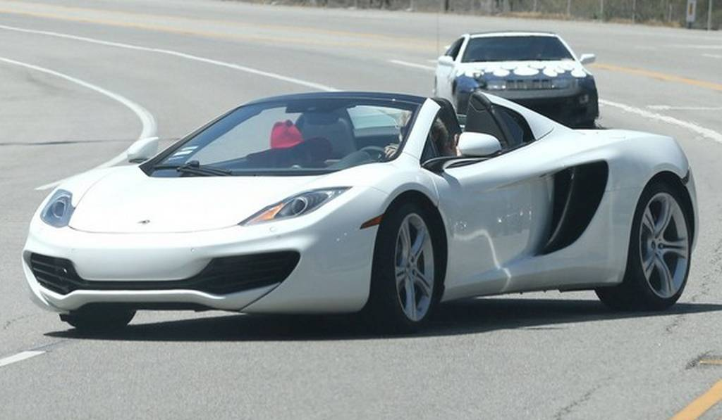 mclaren mp4 12c spider white. lady gaga spotted in white mclaren 12c spyder mclaren mp4 12c spider