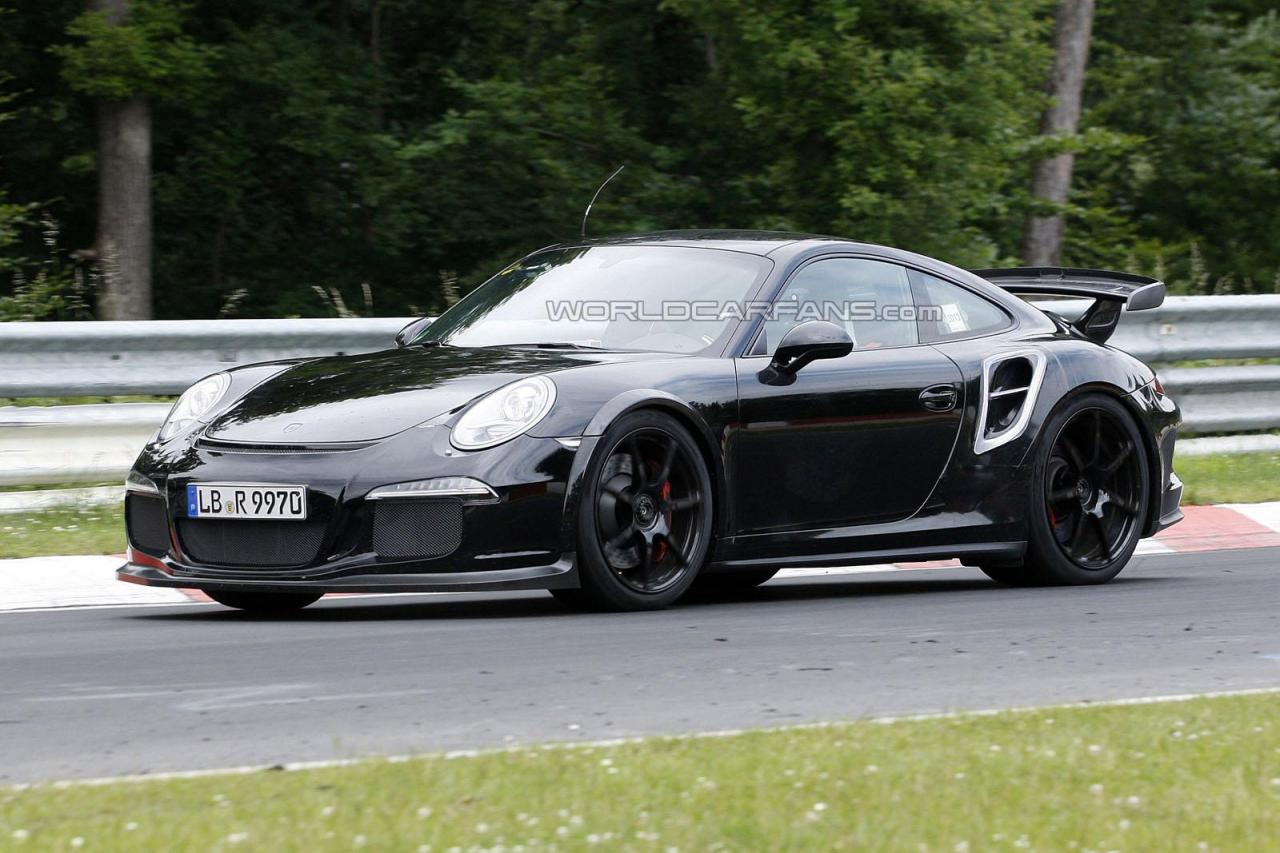 spyshots 2014 porsche 911 gt2 on the 39 ring gtspirit. Black Bedroom Furniture Sets. Home Design Ideas