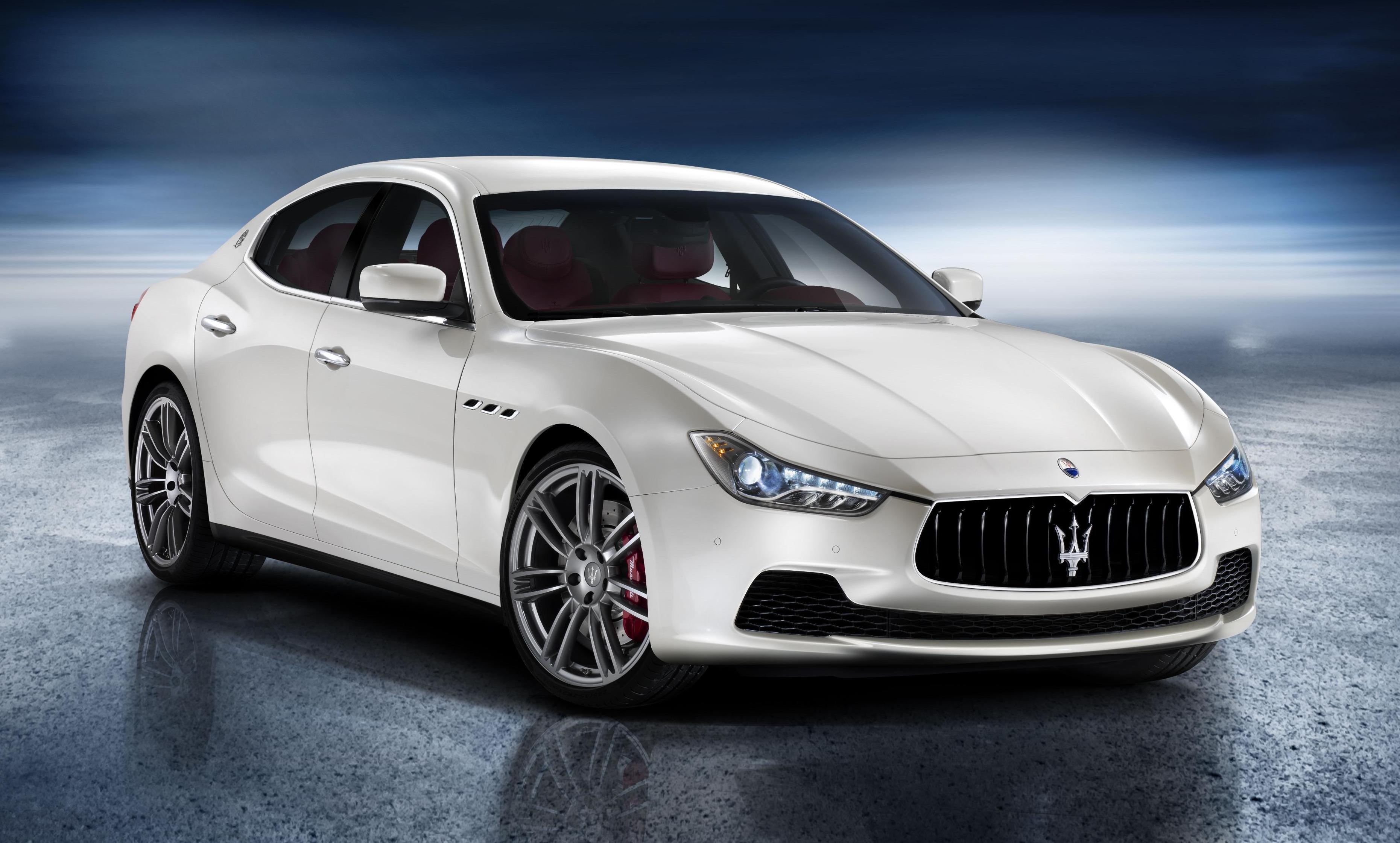 Célèbre Video: First Spotting of 2014 Maserati Ghibli on Public Roads XC33