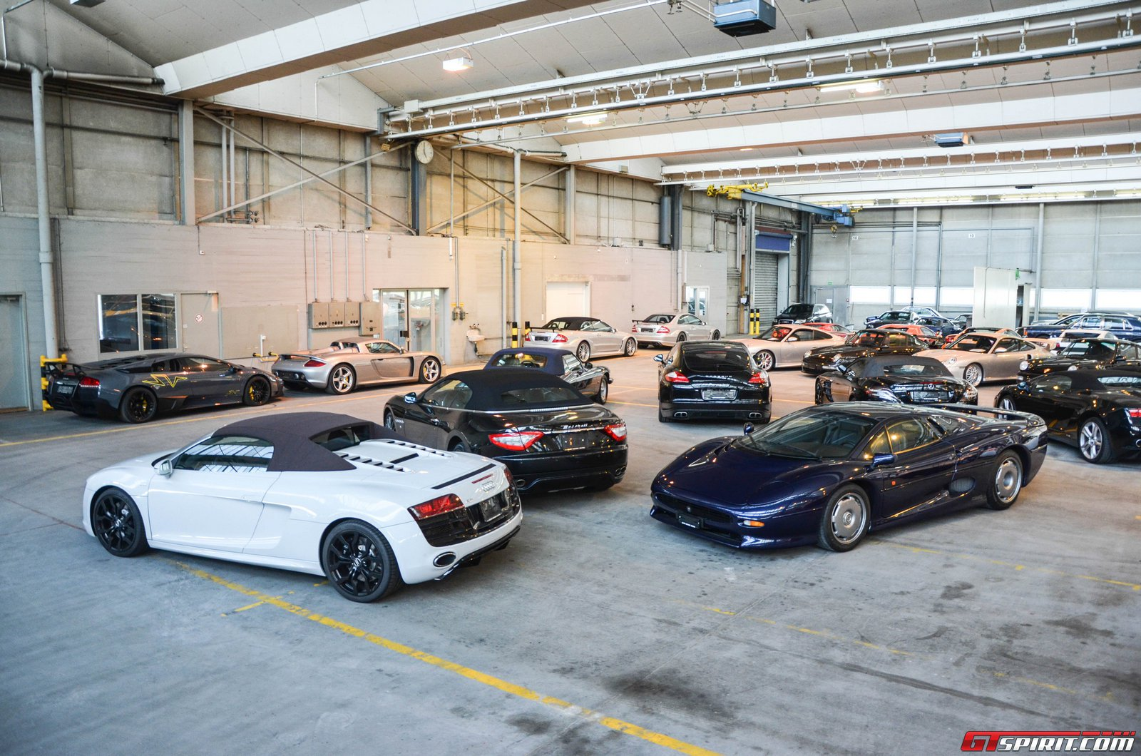 Exotic car garage images galleries for Car garage