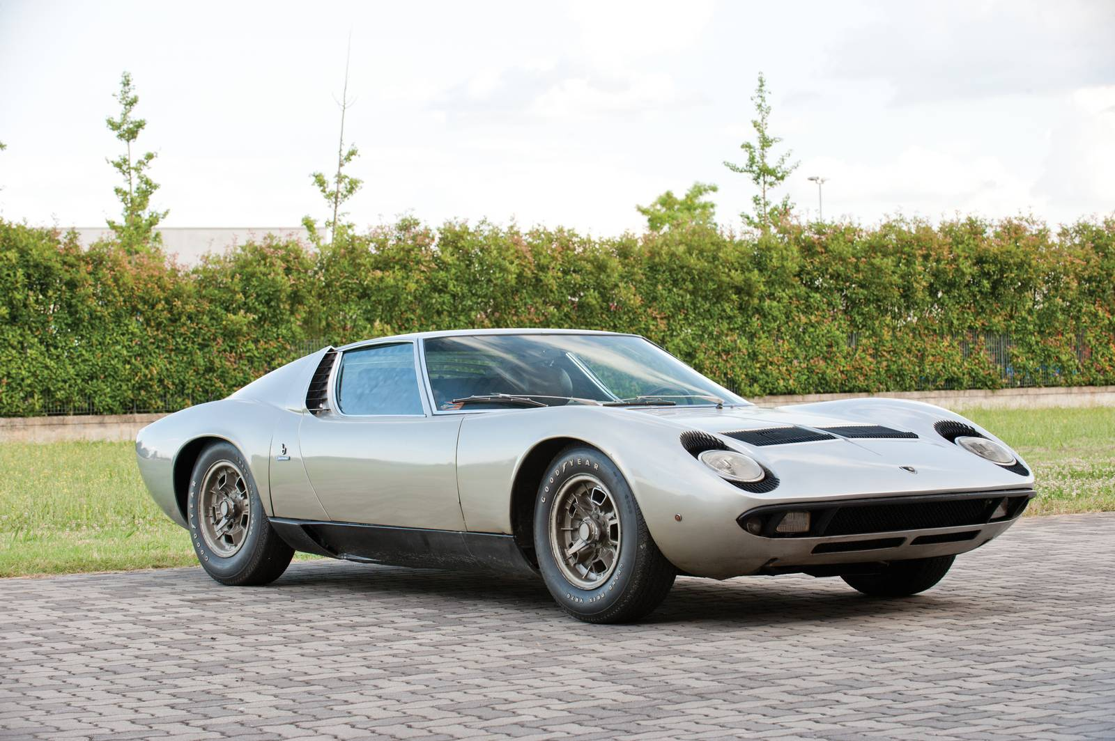 1969 lamborghini miura p400s heading to rm auctions gtspirit. Black Bedroom Furniture Sets. Home Design Ideas