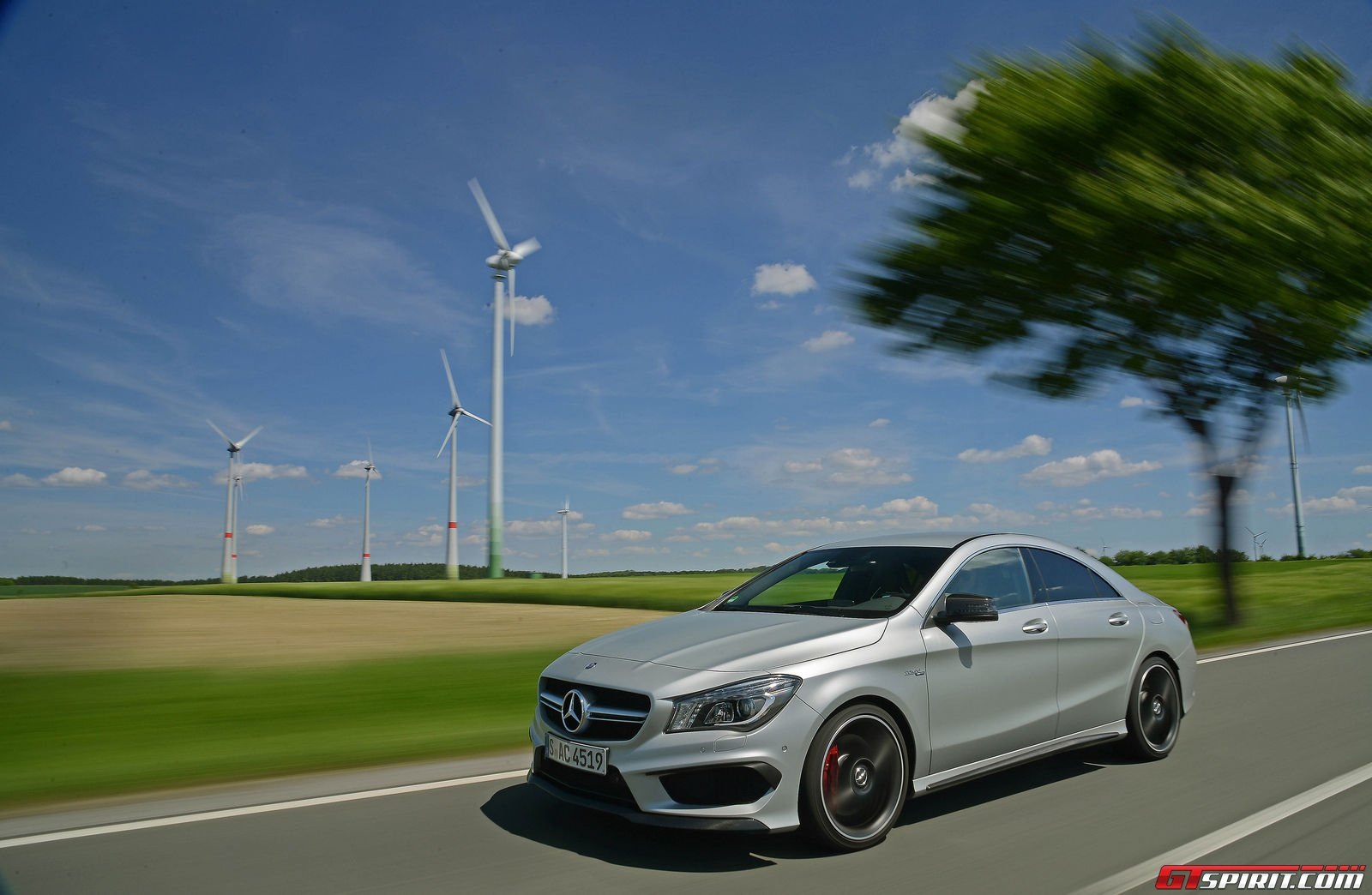 Road test 2014 mercedes benz cla 45 amg gtspirit for 2014 mercedes benz cla 45