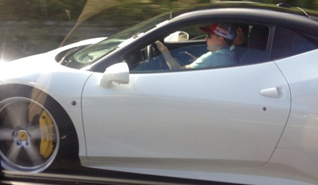 rob dyrdek spotted in his white ferrari 458 italia gtspirit. Black Bedroom Furniture Sets. Home Design Ideas