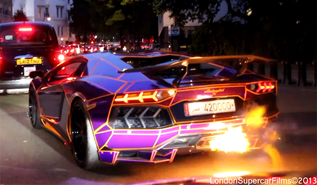 Video: Tron Lamborghini Aventador Spitting Flames in London