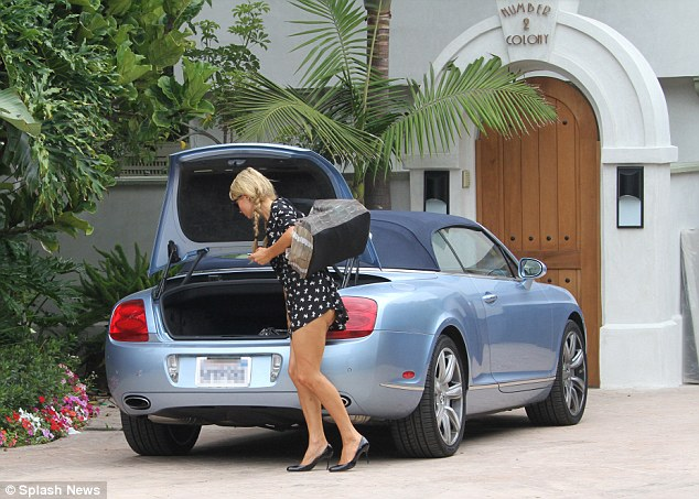 Paris Hilton Spotted With Her Blue Bentley Continental Gtc Gtspirit