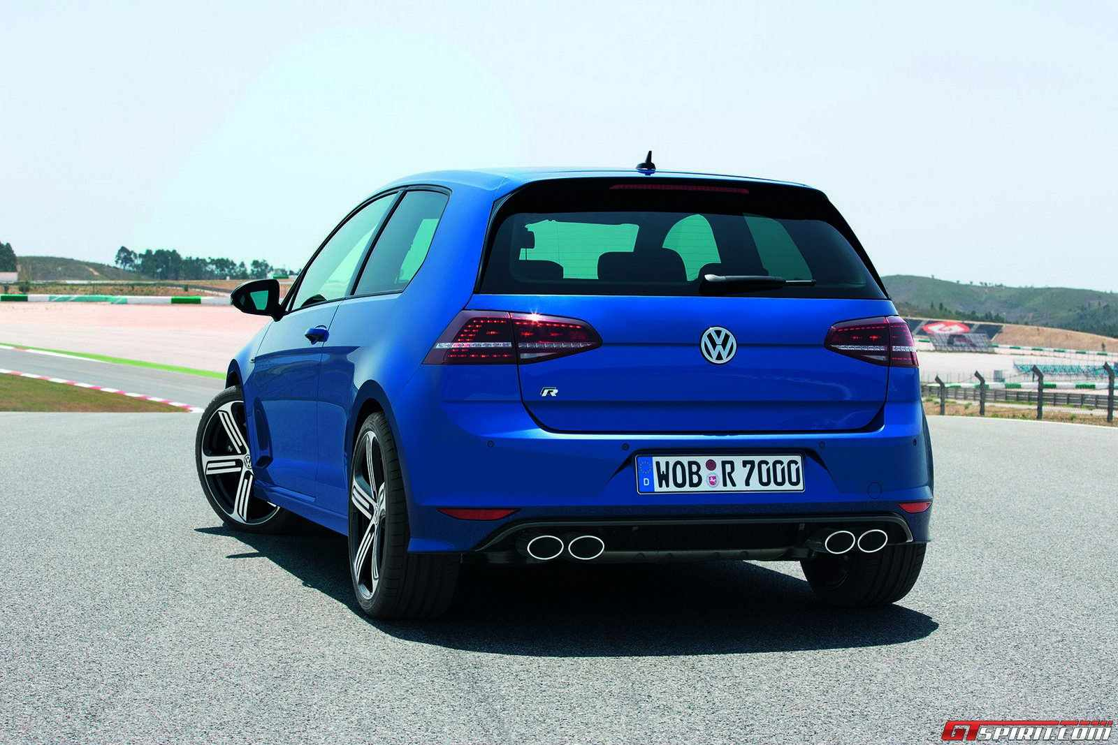 Official 2015 Volkswagen Golf R  GTspirit