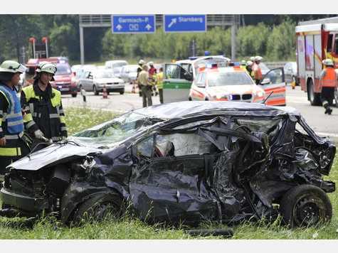 Car Crash: Porsche 996 GT3 Kills Toyota Yaris Driver on