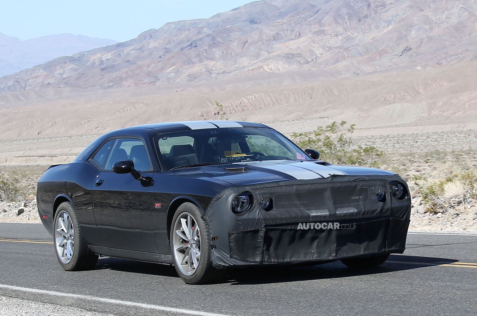 spyshots 600hp 2015 dodge challenger srt8 gtspirit. Black Bedroom Furniture Sets. Home Design Ideas