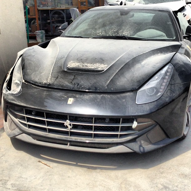 Crashed Cars For Sale >> Car Crash Ferrari F12 Berlinetta Wrecked In Dubai After