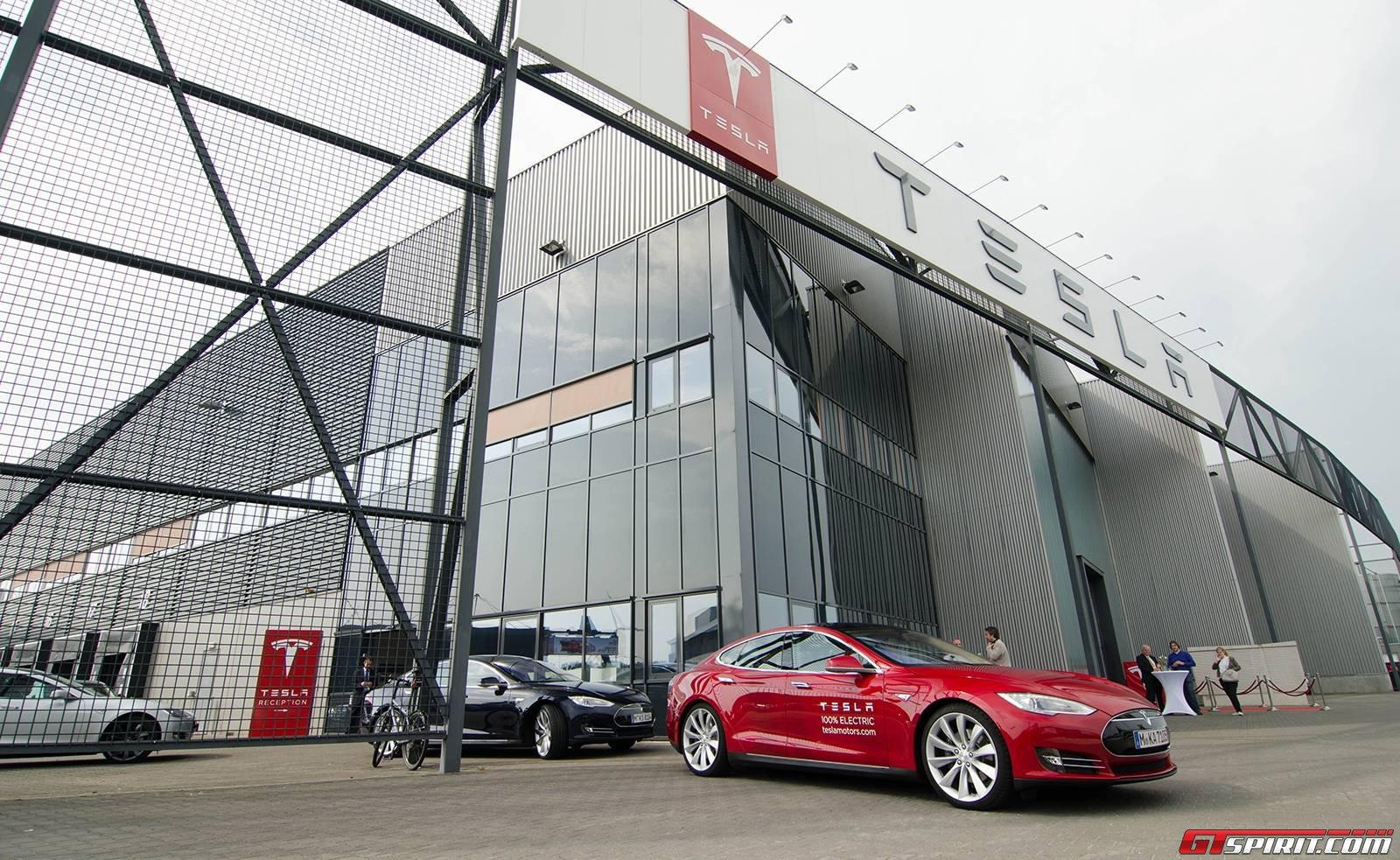 tesla motors opens assembly plant in tilburg the. Black Bedroom Furniture Sets. Home Design Ideas