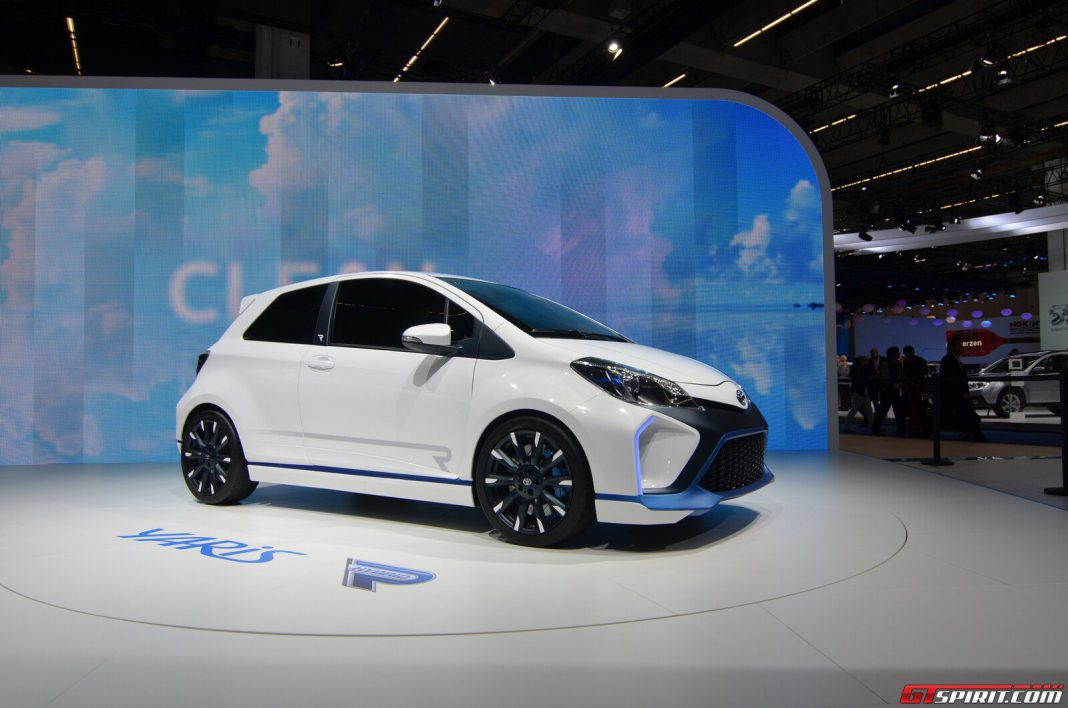 frankfurt 2013 toyota yaris hybrid r gtspirit. Black Bedroom Furniture Sets. Home Design Ideas
