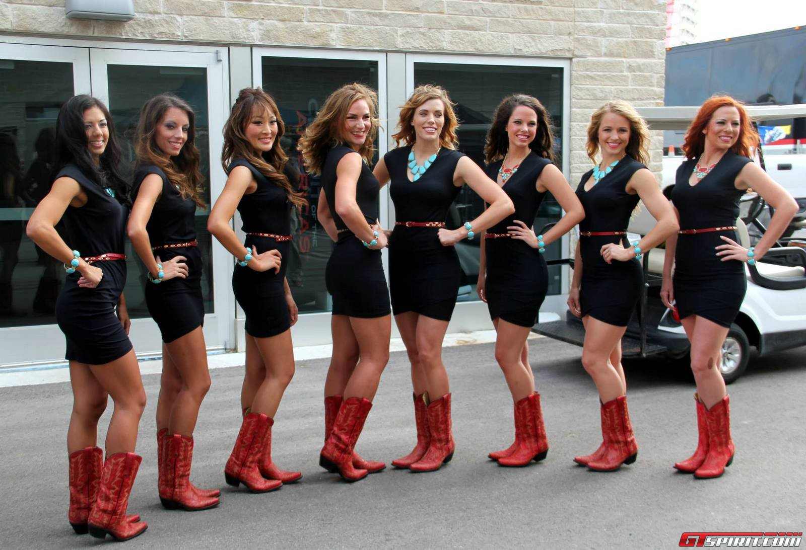 Grid Girls And Texas Cowgirls At The Fiawec 6 Hours Of
