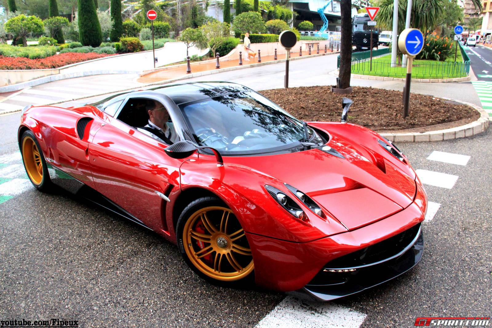 video: red pagani huayra with sonus faber sound system in monaco