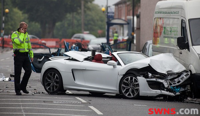 Audi R V Spyder Crash In Birmingham Leaves Woman Dead GTspirit - Audi r8 v10 spyder