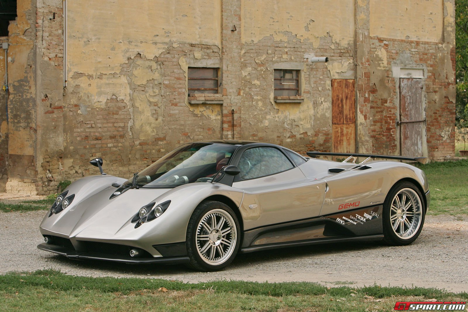Pagani Zonda F Review - GTspirit
