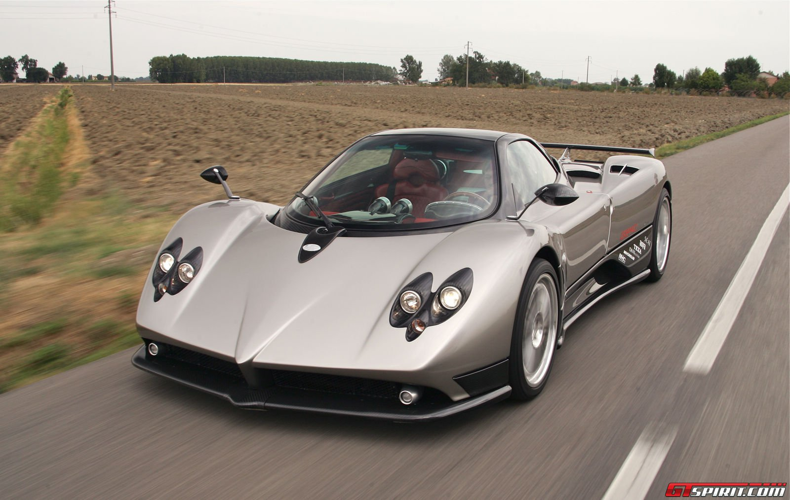 pagani zonda f review gtspirit. Black Bedroom Furniture Sets. Home Design Ideas