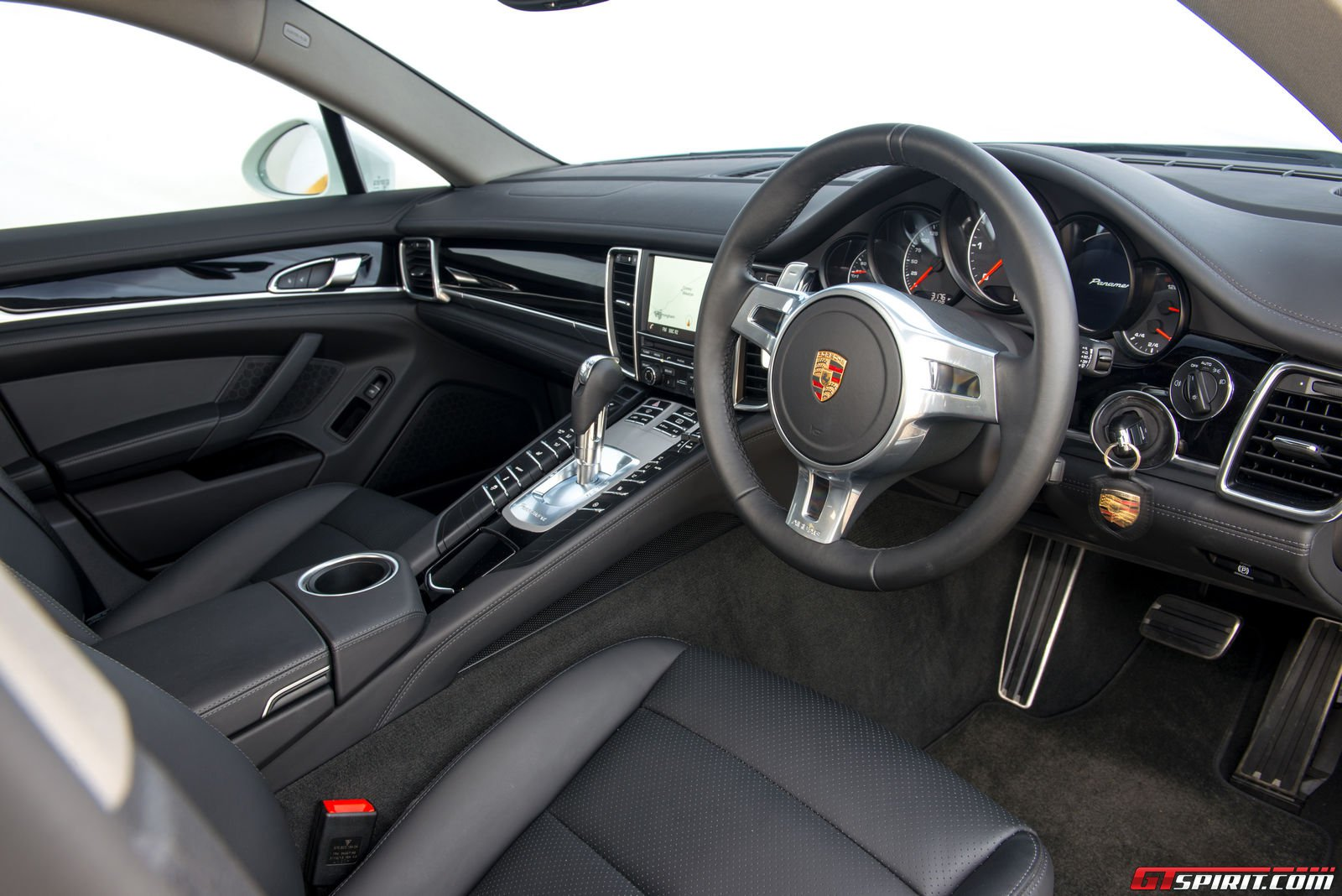 road test 2014 porsche panamera review. Black Bedroom Furniture Sets. Home Design Ideas