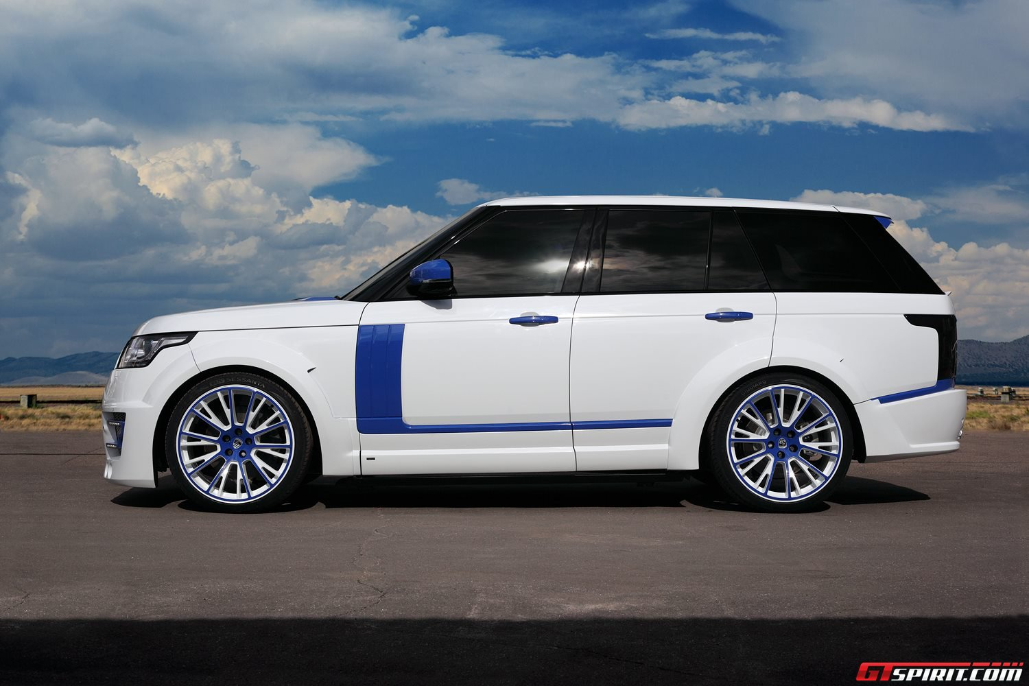 White Lumma Design Range Rover Vogue Clr R With Blue