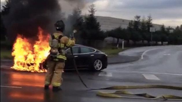 Tesla Model S Catches Fire in Seattle