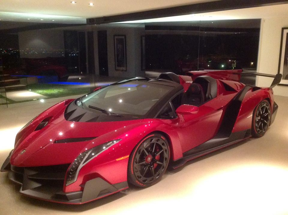 Lamborghini Veneno For Sale >> First Lamborghini Veneno Roadster on Display in Los Angeles - GTspirit