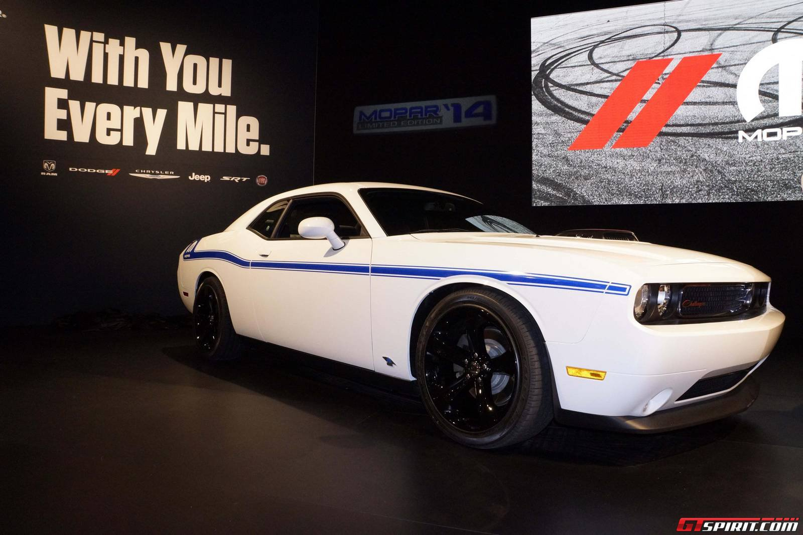 sema 2013 2014 dodge challenger r t shaker and mopar 39 14 challenger. Cars Review. Best American Auto & Cars Review