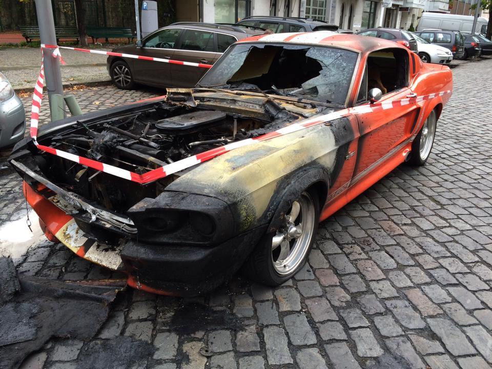 Burning Shelby Mustang GT500