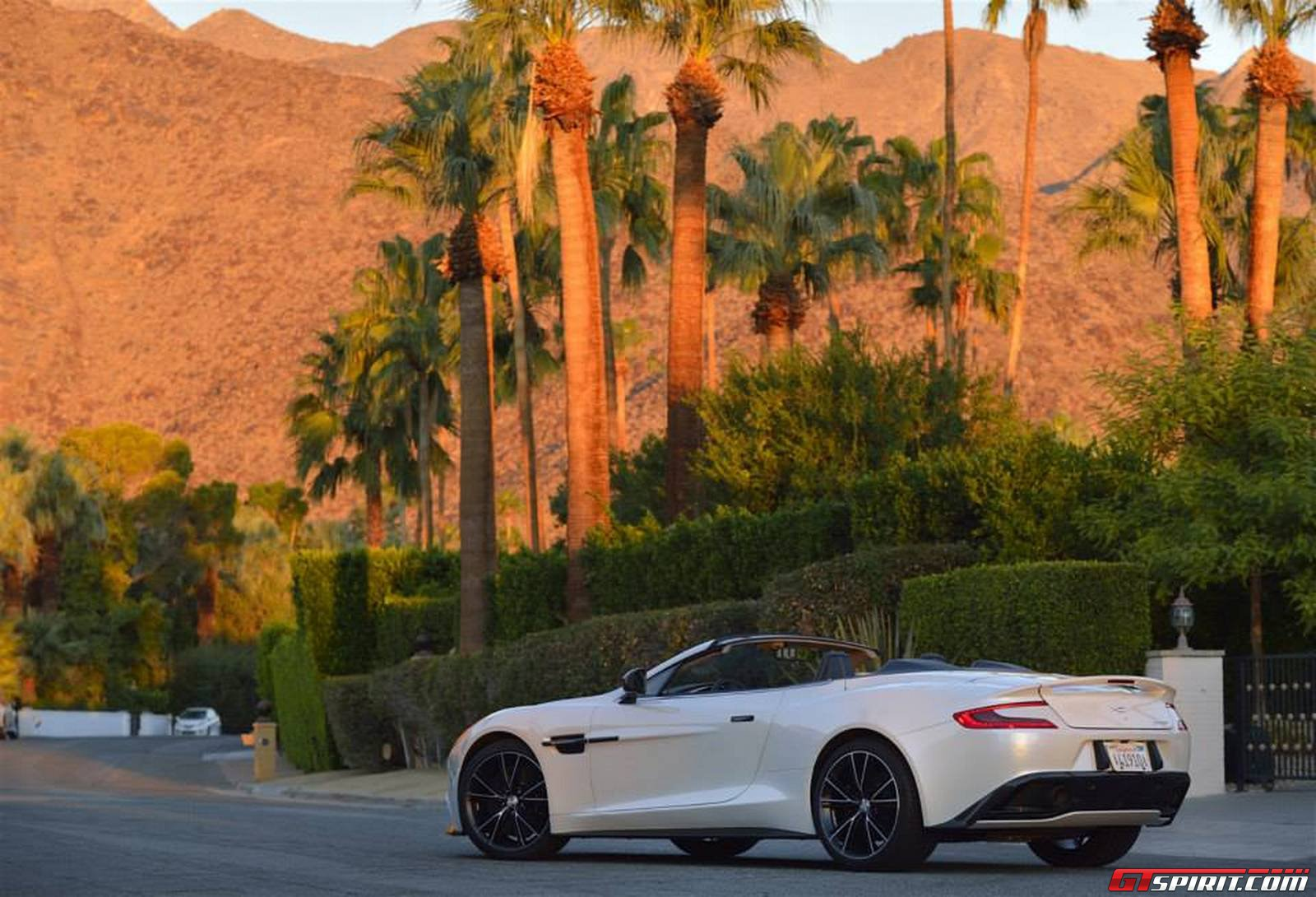 Aston martin vanquish volante in palm springs california for Exotic motor cars palm springs ca