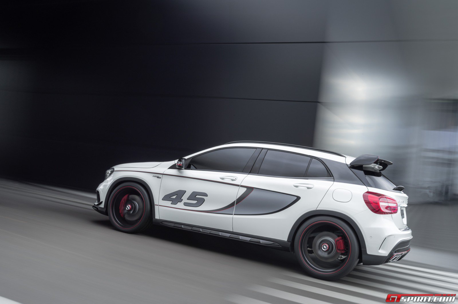 Official mercedes benz gla 45 amg concept gtspirit for Mercedes benz gla 45 amg