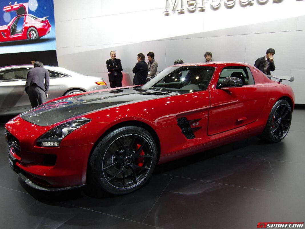tokyo 2013 mercedes benz sls amg gt final edition gtspirit. Black Bedroom Furniture Sets. Home Design Ideas