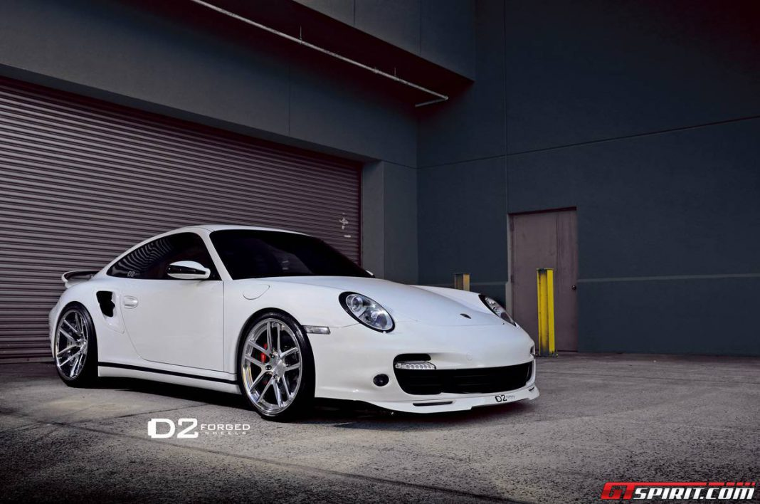White Porsche 997 Turbo